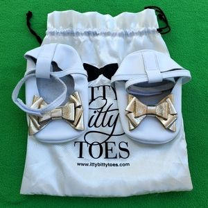 Itty Bitty Babygirl Shoes Size 6 NWT